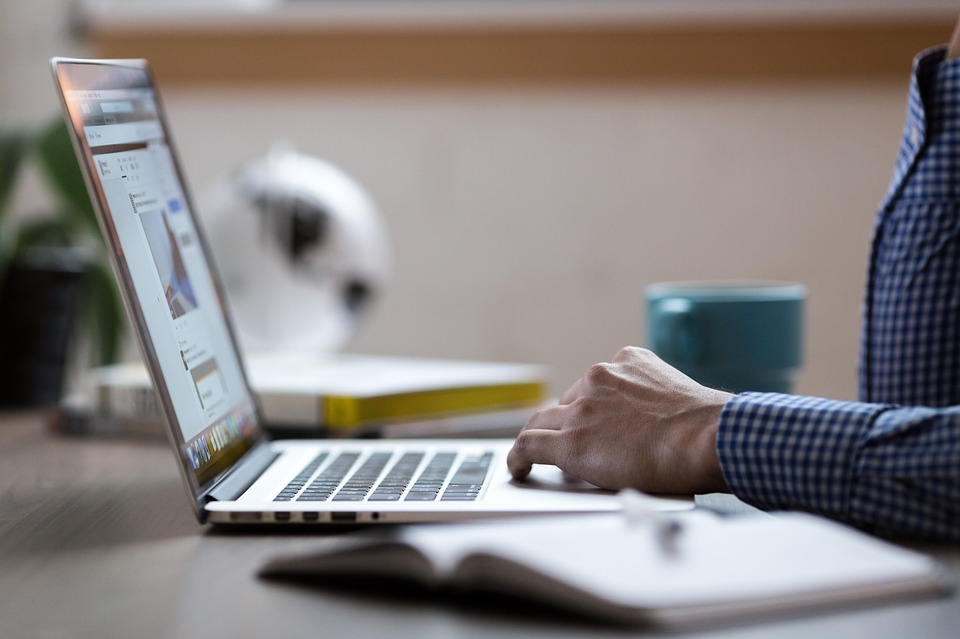 Belajar Komputer Online Tanpa Menghambat Aktivitas