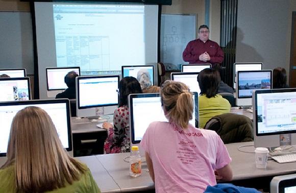 Perlunya Edukasi Komputer Online Untuk Masyarakat