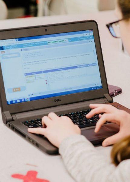Edukasi Online Bisa Meningkatkan Kualitas Pendidikan