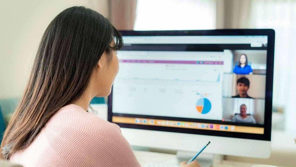Manfaat Yang Diperoleh Dari Komputer Online Yang Ada Pada Dunia Pendidikan